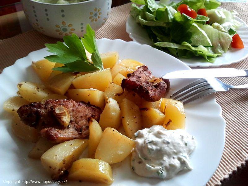 Bravčové mäso zapekané so zemiakmi
