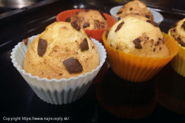 Chutné ovocné, čokoládové muffiny