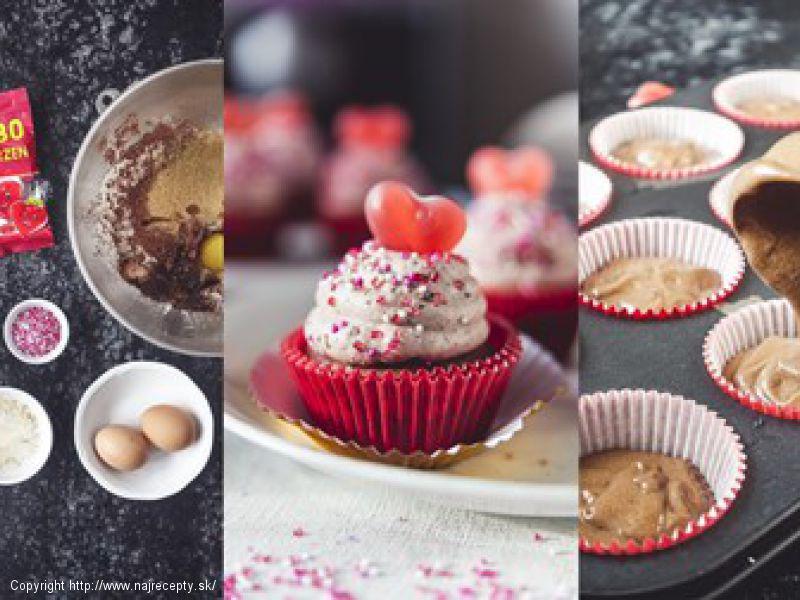 Čokoládové koláčiky s kakaovým krémom a srdiečkami
