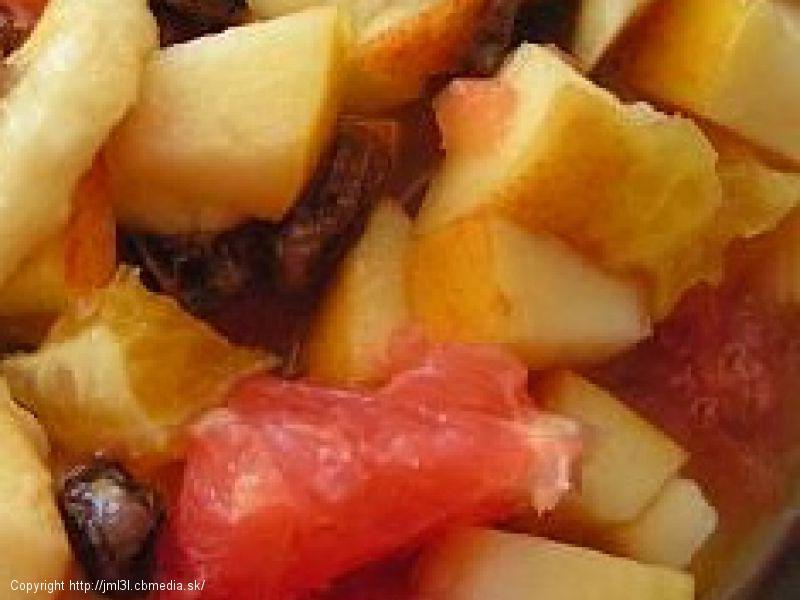 Ovocný šalát v karamelovej zálievke